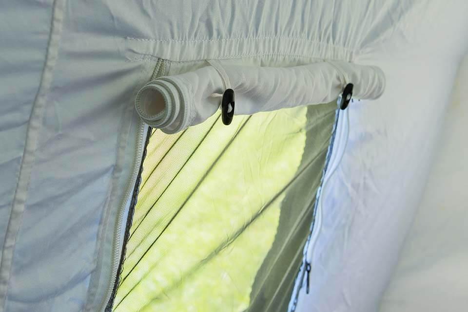 Окно палатки 15М2 вид изнутри