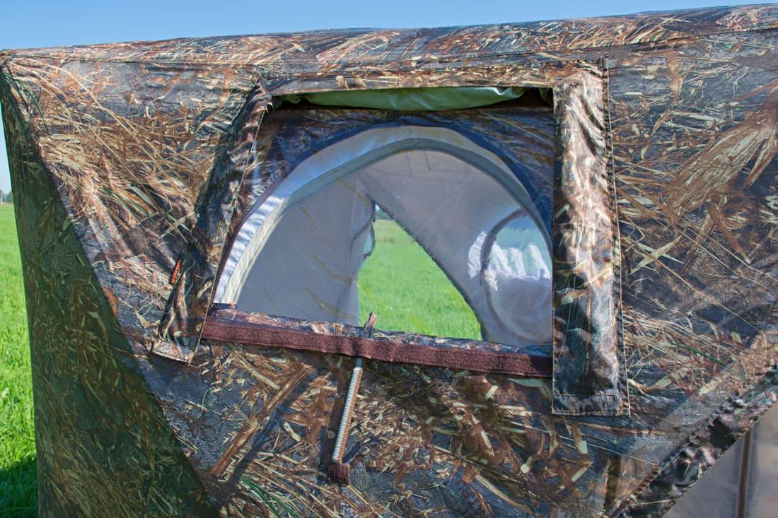 Окно палатки КУБ