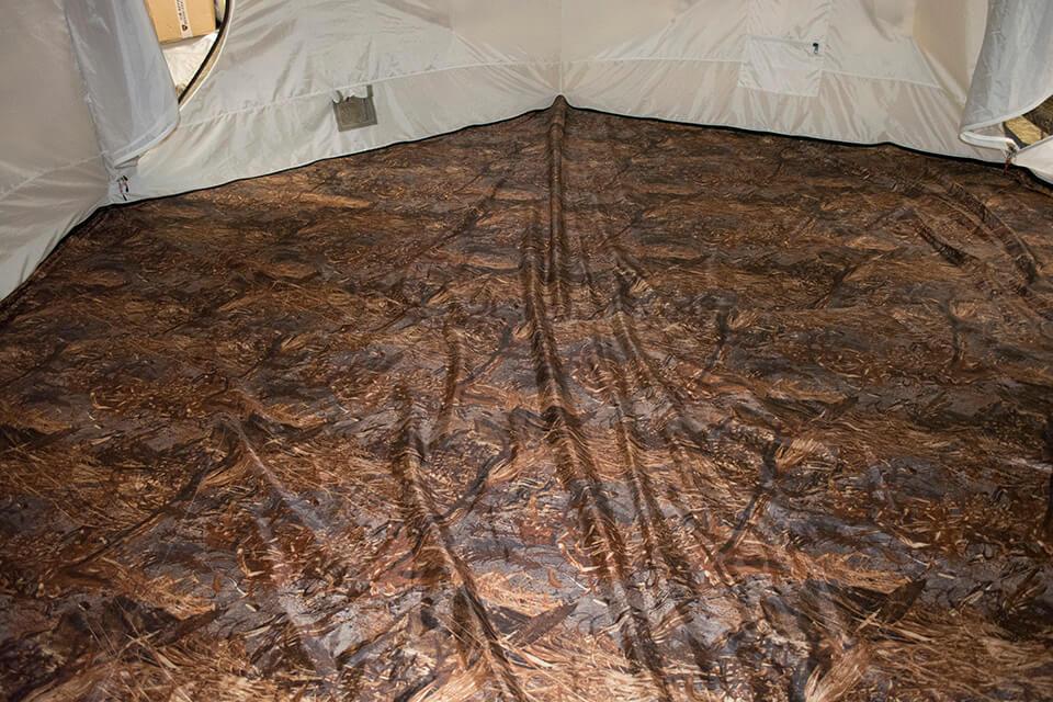 пол палатки берег