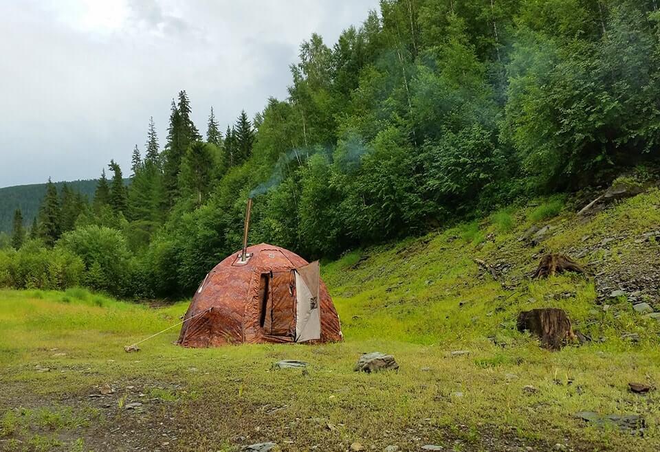 Универсальная шатровая зимняя палатка УП-2