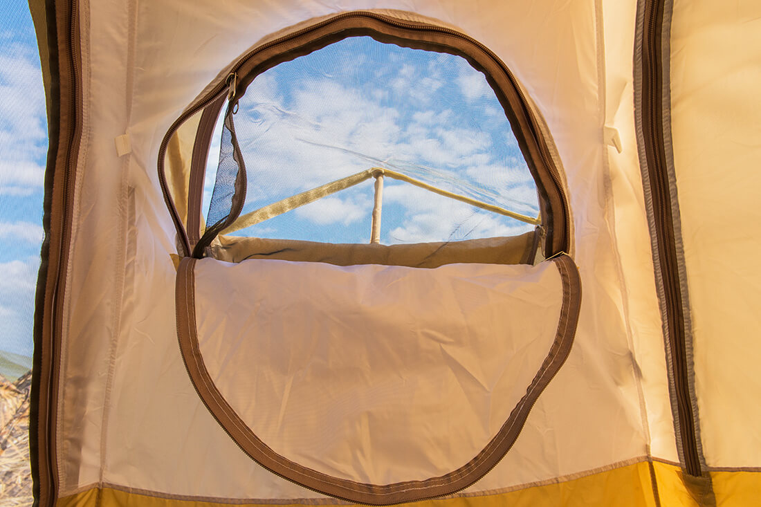 Окно палатки УП-5